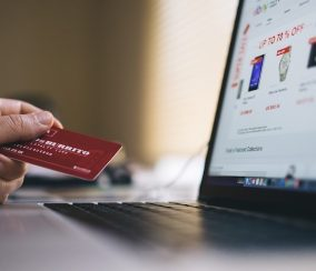 DropShipping vs. Marketplace: What is Best for Your Business?