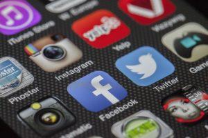 Sharing Content - Social media smartphone